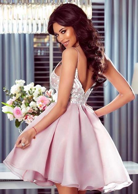 krótka sukienka loretta pudrowy róż koronkowa tył