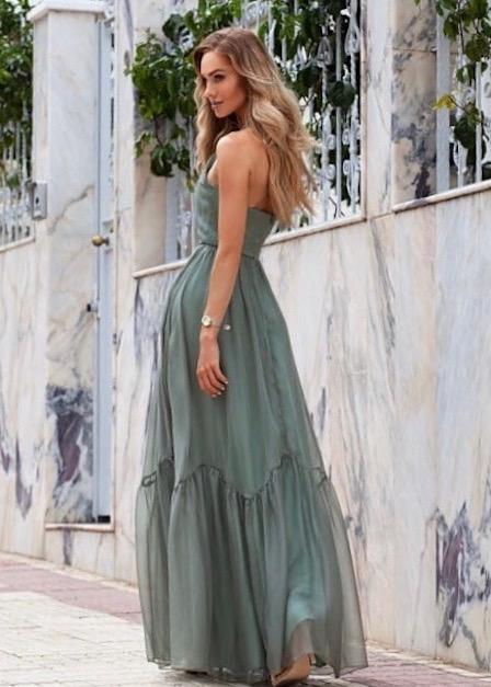 długa sukienka sofia z odkrytymi rękawami zielona tył