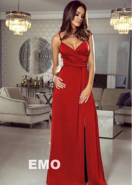 Długa sukienka Kenzie z dekoltem na cienkich ramiączkach czerwona