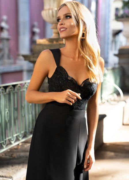 Długa sukienka Melani z koronkową górą i rozporkiem czarna