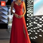 Długa sukienka z koronkową górą czerwona