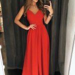 Długa sukienka na ramiączkach Rosie z dekoltem czerwona