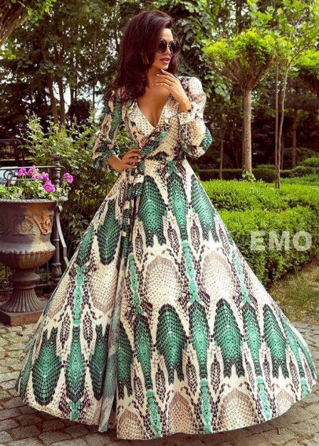 Zwiewna sukienka na lato i wakacje Holly z rękawem i dekoltem