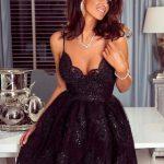 krótka sukienka koronkowa na ramiączkach czarna laura