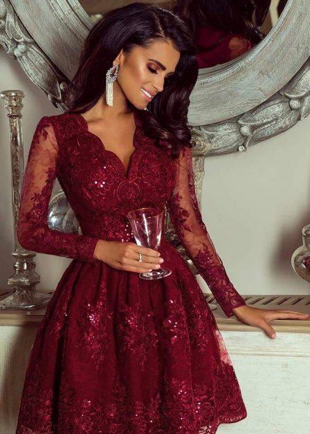 Koronkowa sukienka Iness z rękawem i rozkloszowanym dołem bordowa