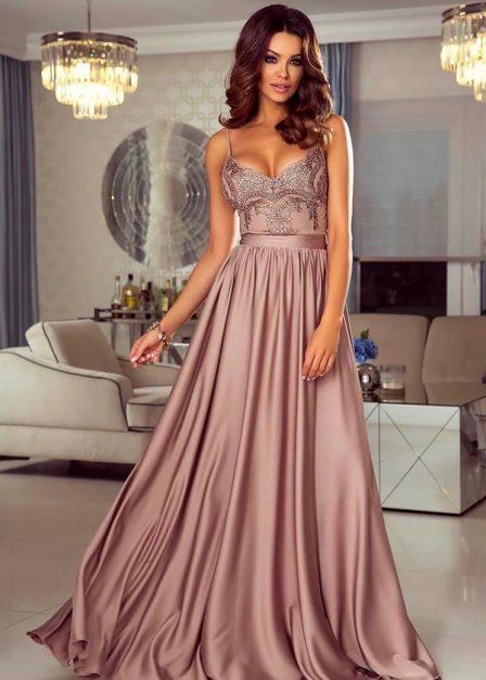 Długa cappuccino sukienka Eliza na ramiączkach z koronkową górą