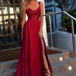 długa sukienka Salma z koronkową górą w kolorze bordo