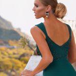 długa sukienka melanie z odkrytymi ramionami na ramiączkach tył